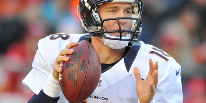 Manning-Peyton-In-action-on-Broncos